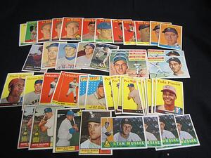 Baseball cards with Yellow Name Letter variations
